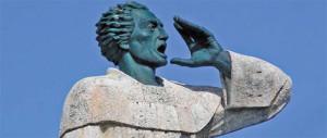 montesino_statue